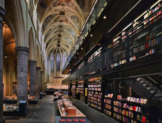 Selexyz-Domincan-Church-Maastricht dutch bookstore 112309