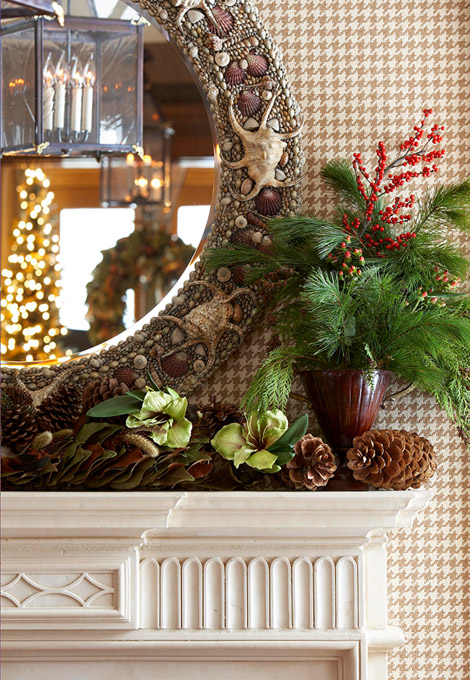 Holiday Mantel - Trad HOme