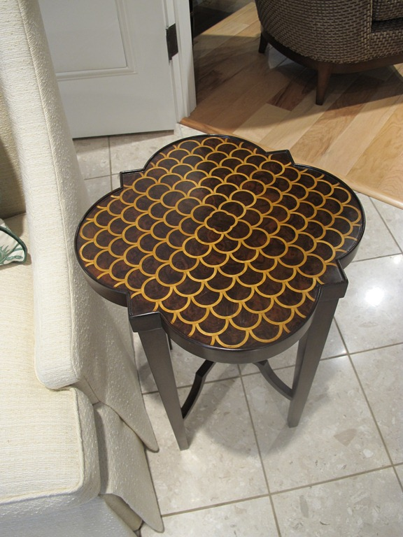 Quatrefoil_table